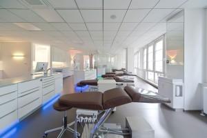 Behandlungszimmer Untergeschoss